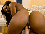 ballhoneys: Courtney Foxxx  Got her Groove