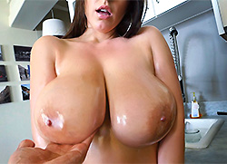 bigtitsroundasses: Angela White's 32 double g tits are breathtaking