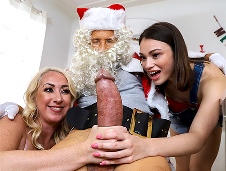 Santa Is Cuming To Town Big Tits, Round Asses