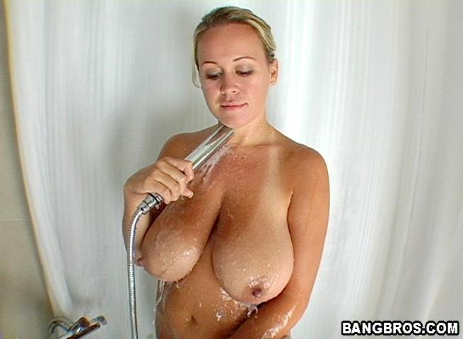 Good granny wants pleasure for her shaved pussy