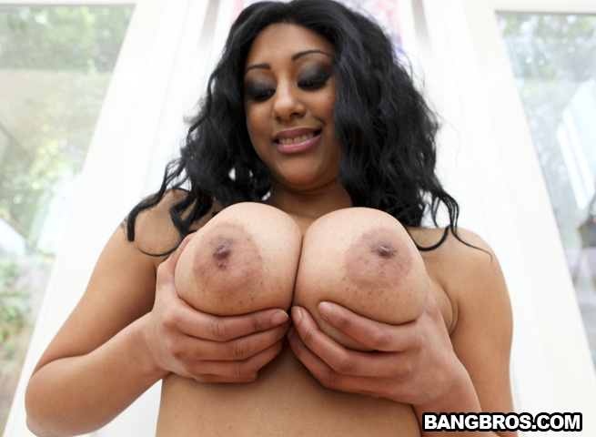Plump leanne playing with her huge tits