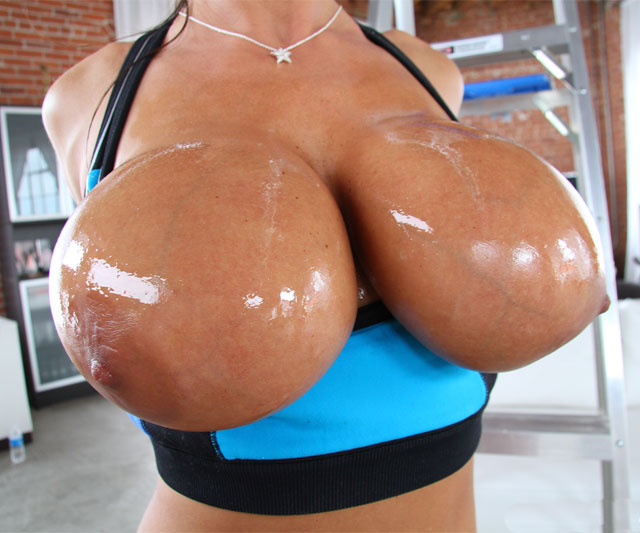 Big round oily ass