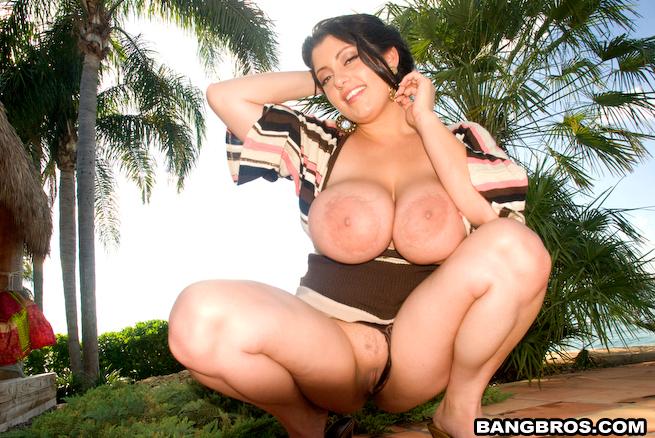 Dolly Kumar Tits